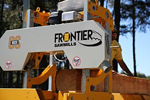 Frontier OS23 Sawmill with 7½hp (250cc) Briggs & Stratton (recoil start) Engine